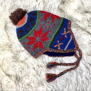 AEO Trapper Hat Knitted Lined Pom Pom Top EUC